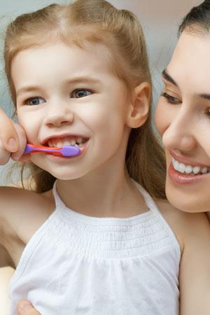 Gesunde Zahnpflege beginnt im Kindesalter