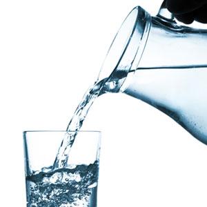2-3 Liter Wasser pro Tag trinken!