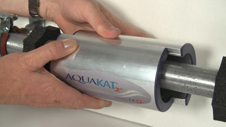 """Montage vom AquaKat 2"""" an der Rohrzuleitung"""