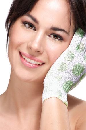 Ein Hautpeeling so effektiv wie ein Peelinghandschuh, nur sanfter mit Aloe Vera.