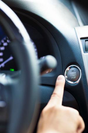 Auto mit Startknopf starten - Keyless-Go ist sehr bequem, aber gefährlich
