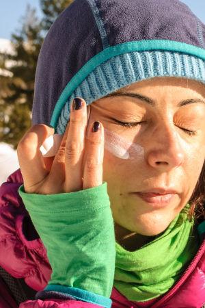 Denke an den Sonnenschutz im Winter. Hohe UV-Strahlung!